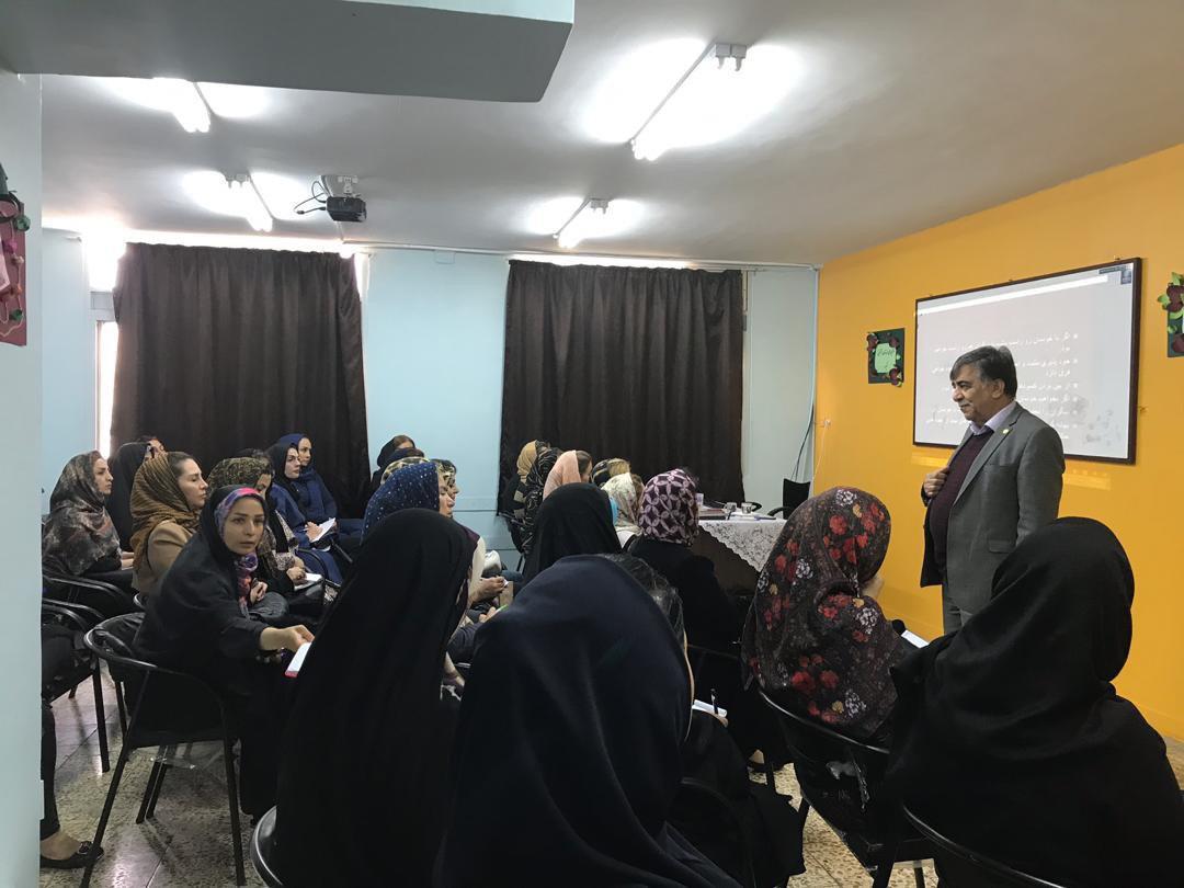 جلسه مشاور خانواده با حضور دکتر حوریزاد