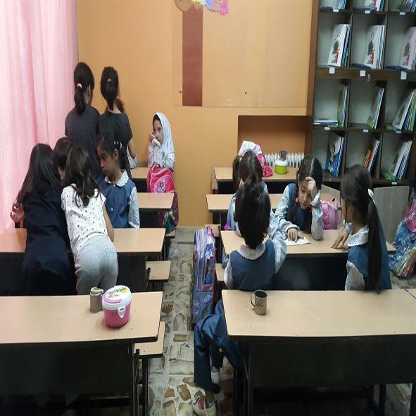 فعالیت کتابخوانی کلاس دوم کار گروهی